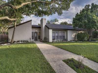 Sold Property | 3200 Landershire Lane Plano, Texas 75023 3