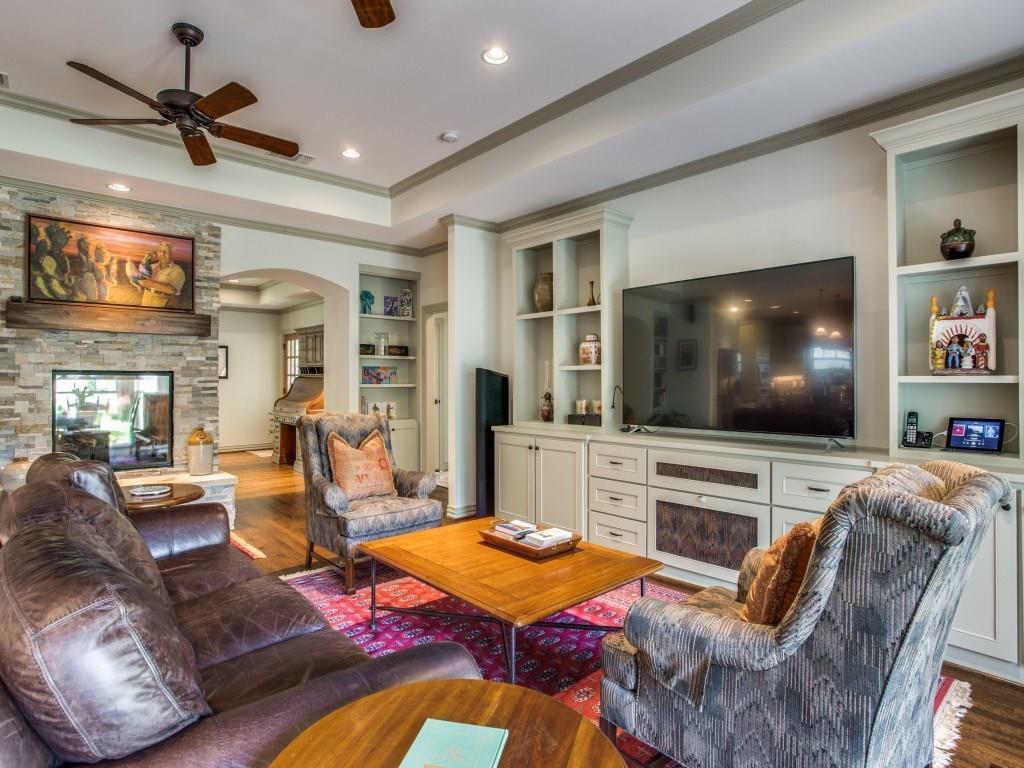 Sold Property | 7014 Meadow Lake Avenue Dallas, Texas 75214 15