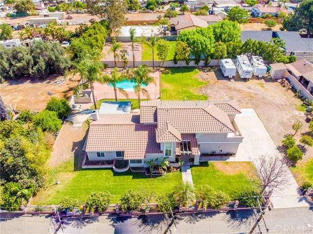 Closed | 723 Ford Street Corona, CA 92879 44