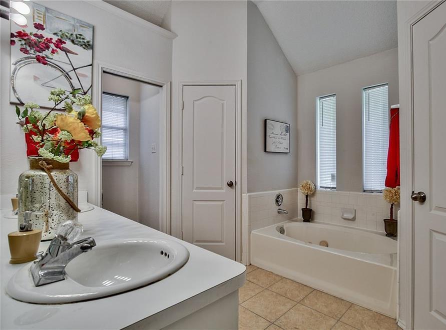 Sold Property | 7716 Prairie Drive Watauga, Texas 76148 14