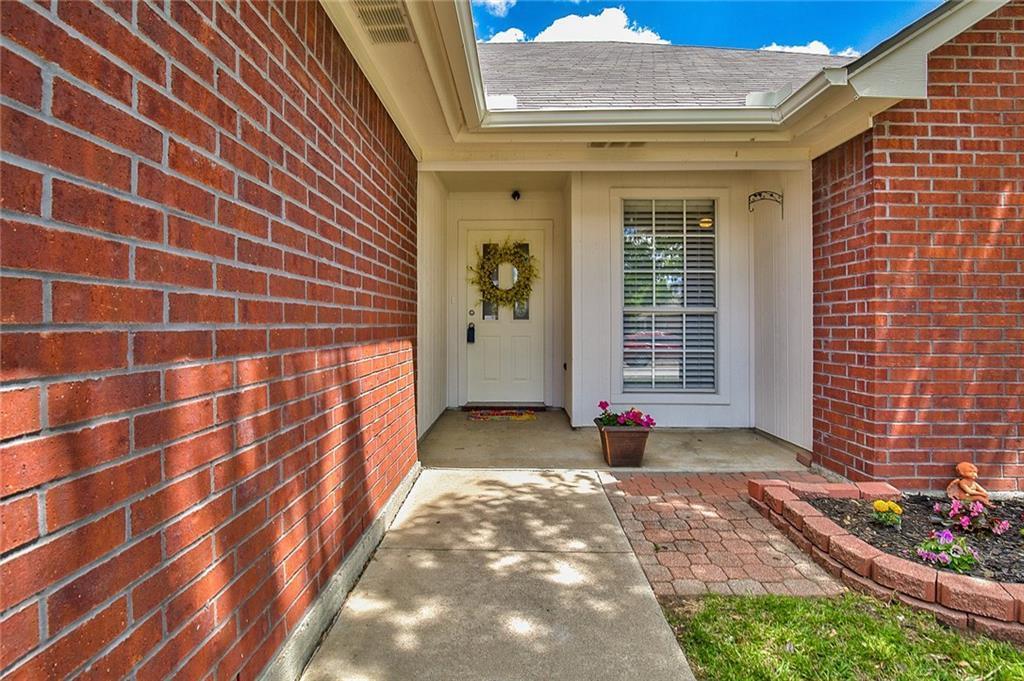 Sold Property | 7716 Prairie Drive Watauga, Texas 76148 3