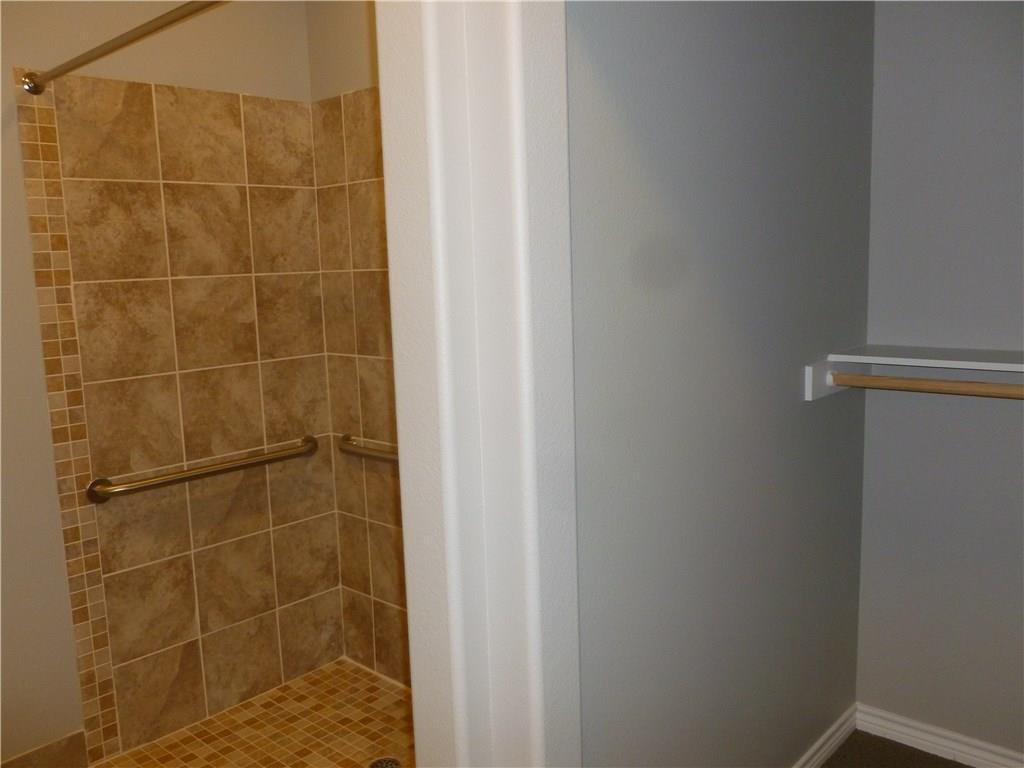Property for Rent | 301 Elk Drive #Mem. 2 Burleson, TX 76028 12