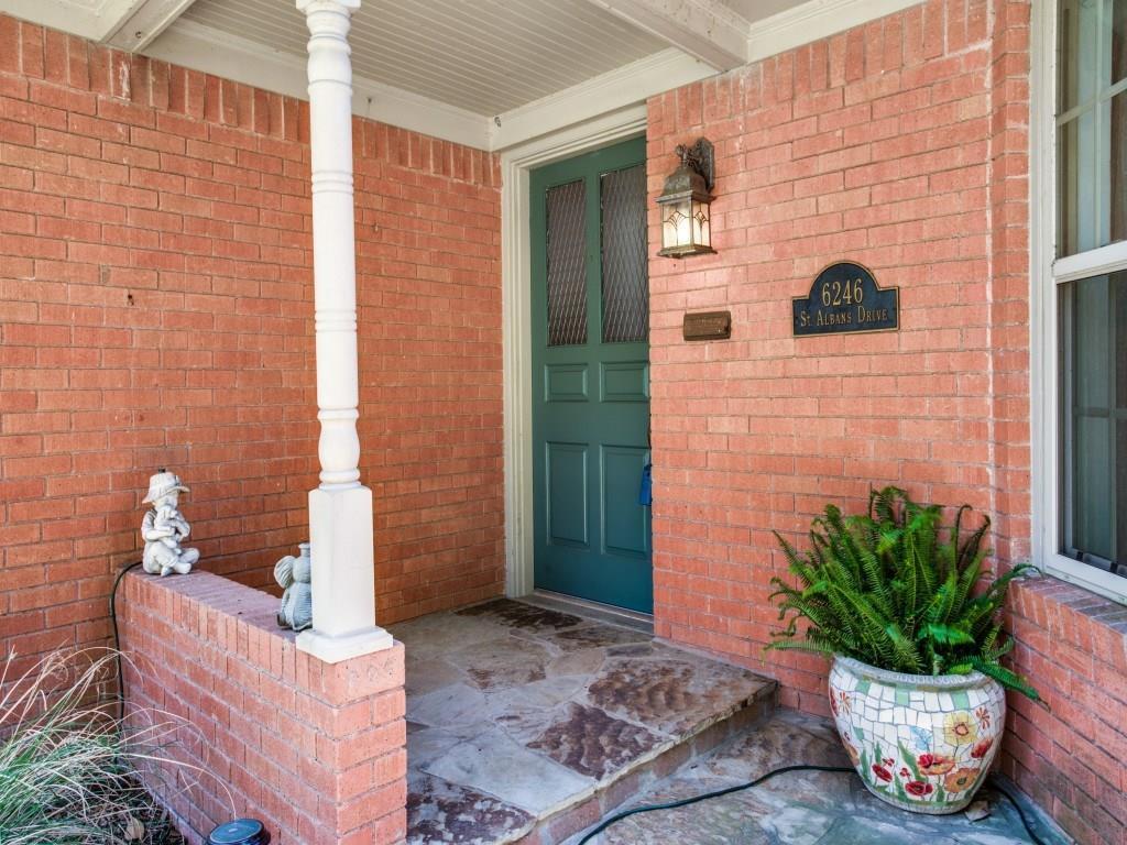 Sold Property | 6246 Saint Albans Drive Dallas, Texas 75214 3