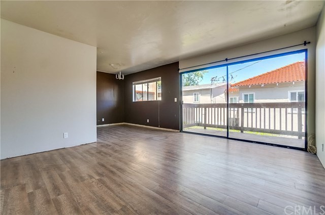 Pending | 1242 E 4th Street #5 Long Beach, CA 90802 2