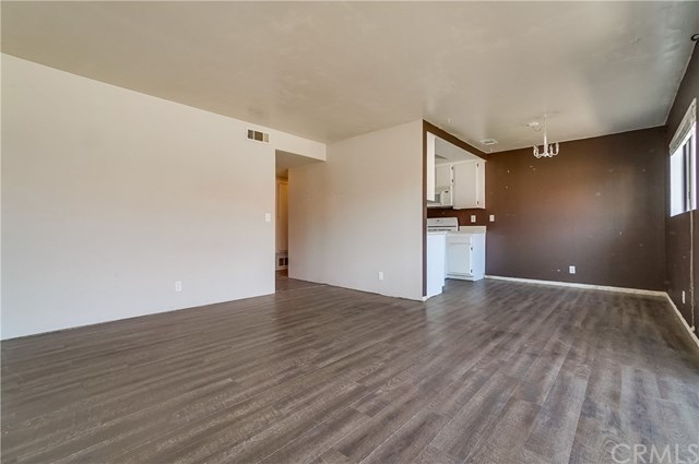 Pending | 1242 E 4th Street #5 Long Beach, CA 90802 3