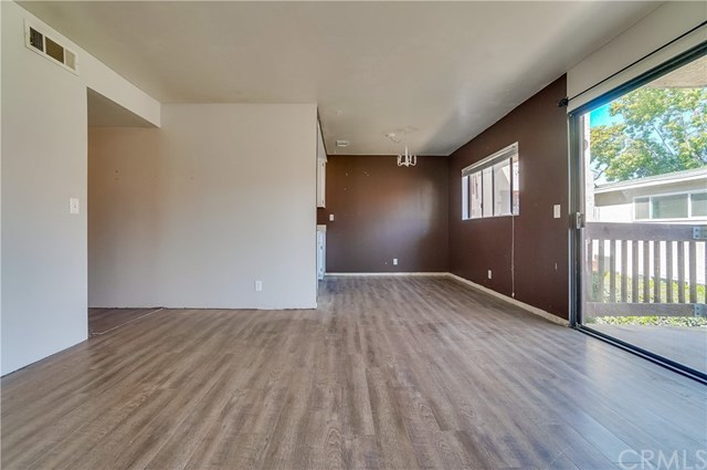 Pending | 1242 E 4th Street #5 Long Beach, CA 90802 4