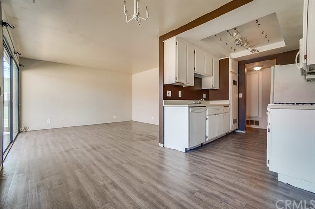 Pending | 1242 E 4th Street #5 Long Beach, CA 90802 7