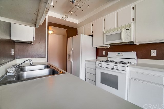 Pending | 1242 E 4th Street #5 Long Beach, CA 90802 11