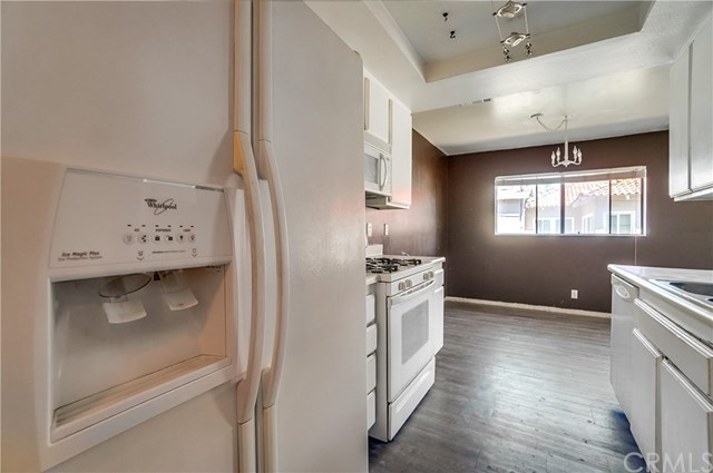 Pending | 1242 E 4th Street #5 Long Beach, CA 90802 12