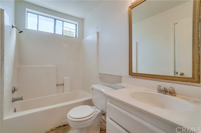 Pending | 1242 E 4th Street #5 Long Beach, CA 90802 23