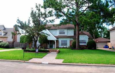 Off Market   11002 Olympia Drive Houston, Texas 77042 2