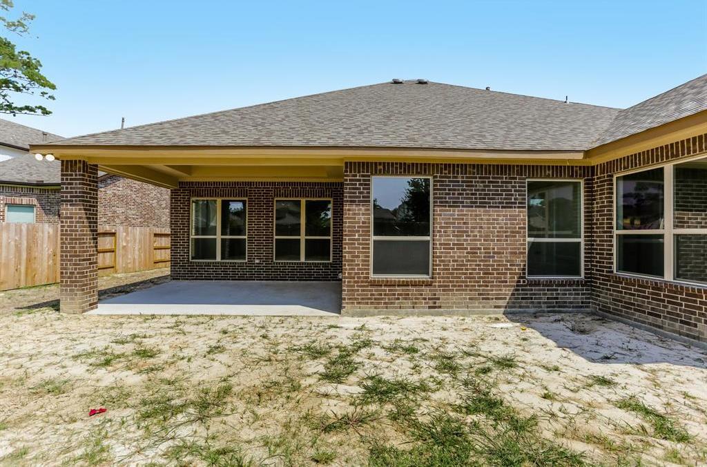 Off Market   16915 Burke Lake Lane Houston, Texas 77044 37