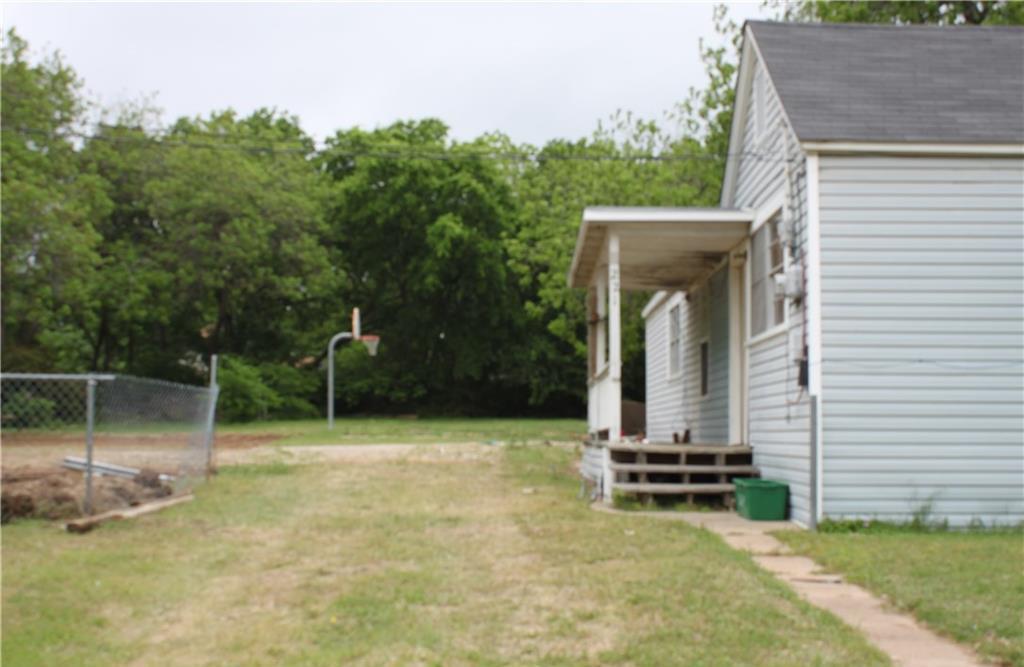 Sold Property | 221 Macarthur Boulevard Grand Prairie, Texas 75050 2