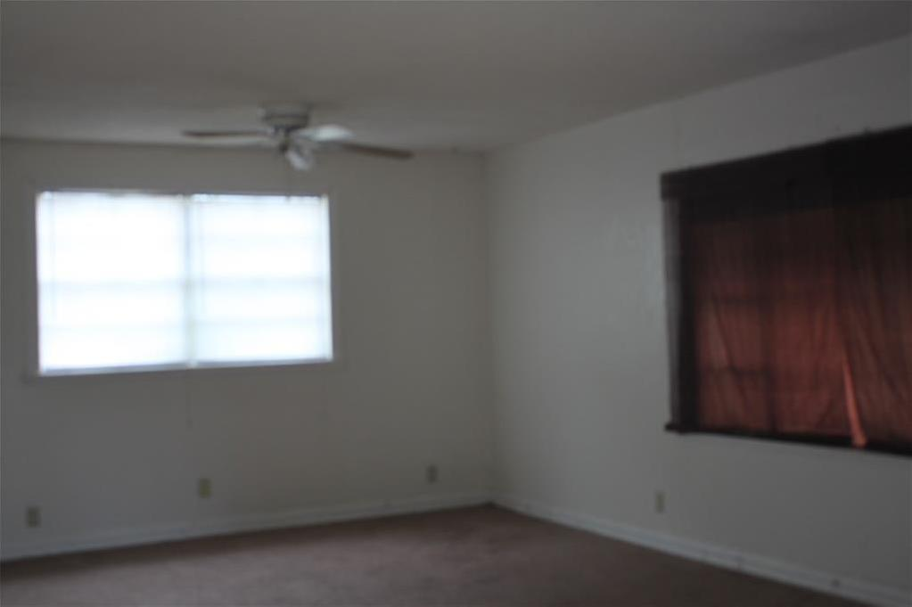 Sold Property | 221 Macarthur Boulevard Grand Prairie, Texas 75050 4