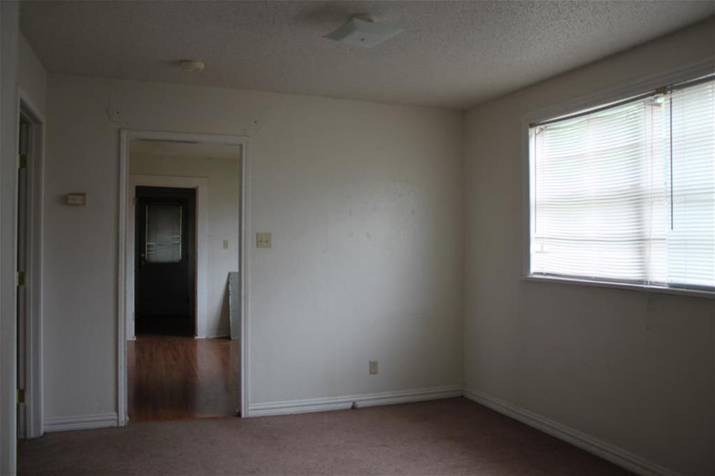 Sold Property | 221 Macarthur Boulevard Grand Prairie, Texas 75050 5