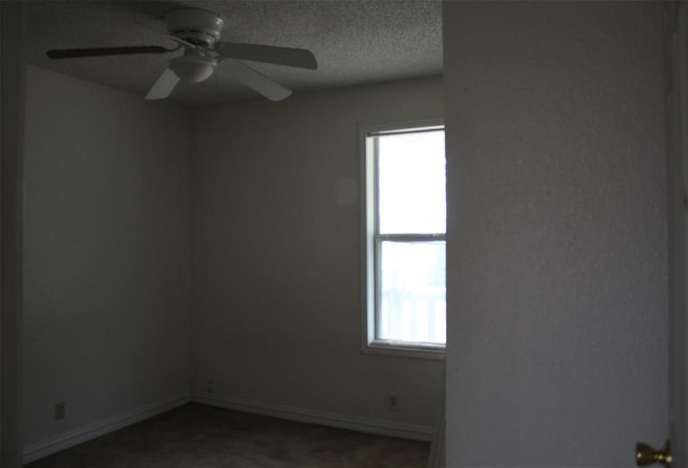 Sold Property | 221 Macarthur Boulevard Grand Prairie, Texas 75050 7