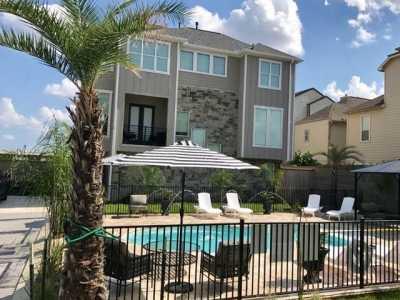 Off Market | 10907 Upland Retreat Drive Houston, Texas 77043 3