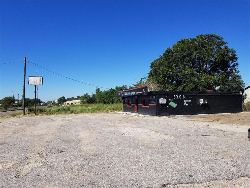 Off Market | 4321 Reed Road Houston, Texas 77051 2