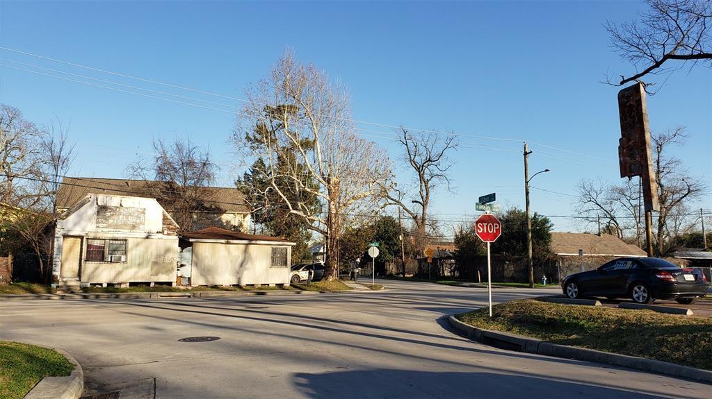 Active | 6202 N Main Street Houston, Texas 77009 0