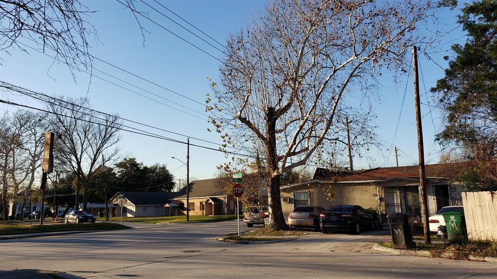 Off Market | 6202 N Main Street Houston, Texas 77009 1