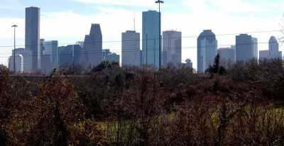 Active | 6202 N Main Street Houston, Texas 77009 15