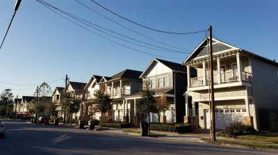 Active | 6202 N Main Street Houston, Texas 77009 4