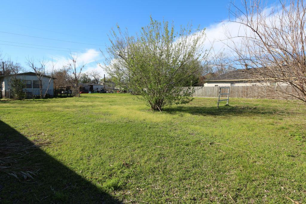 Off Market | 2203 Maury Street Houston, TX 77026 1
