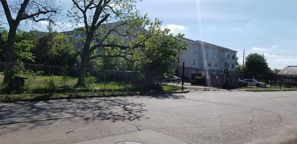 Off Market   6308 Illinois Street Houston, Texas 77021 6