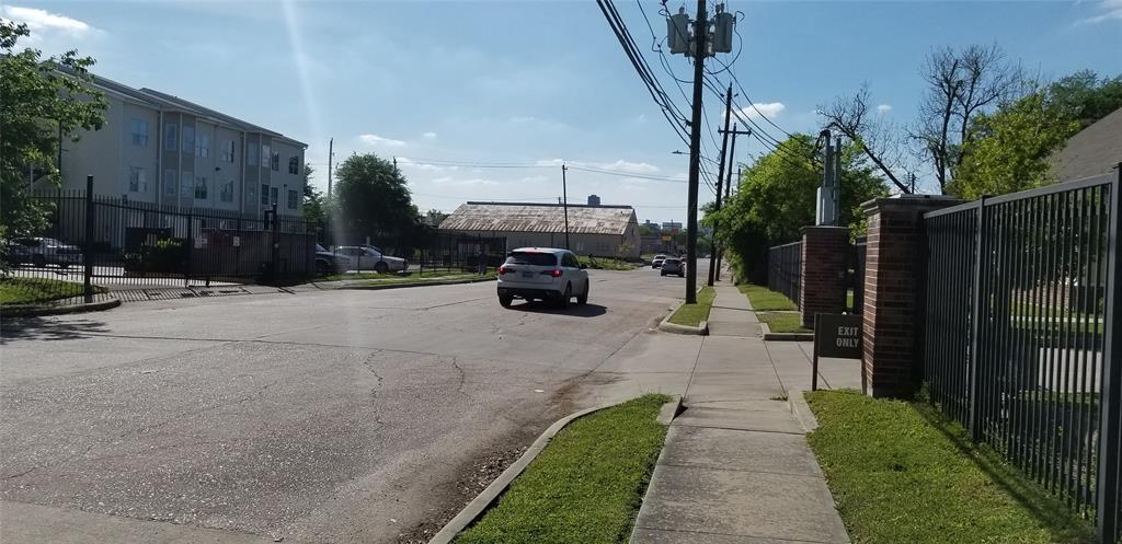 Off Market   6308 Illinois Street Houston, Texas 77021 9