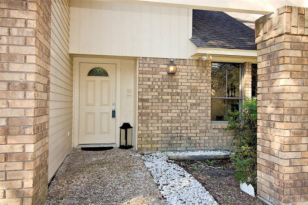 Off Market | 15911 Craighurst Drive Houston, Texas 77059 1