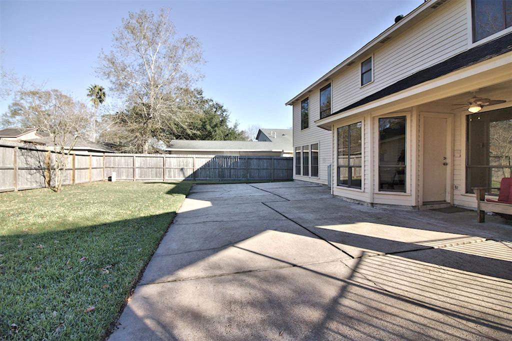 Off Market | 15911 Craighurst Drive Houston, Texas 77059 23