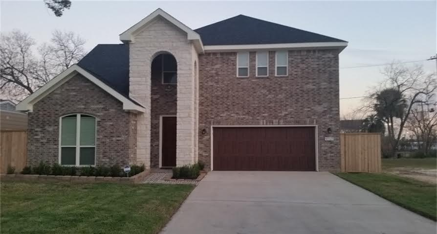Active | 9721 Chatfield Street Houston, Texas 77025 2