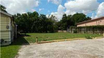Off Market | 1124 Holland Street Houston, Texas 77029 14