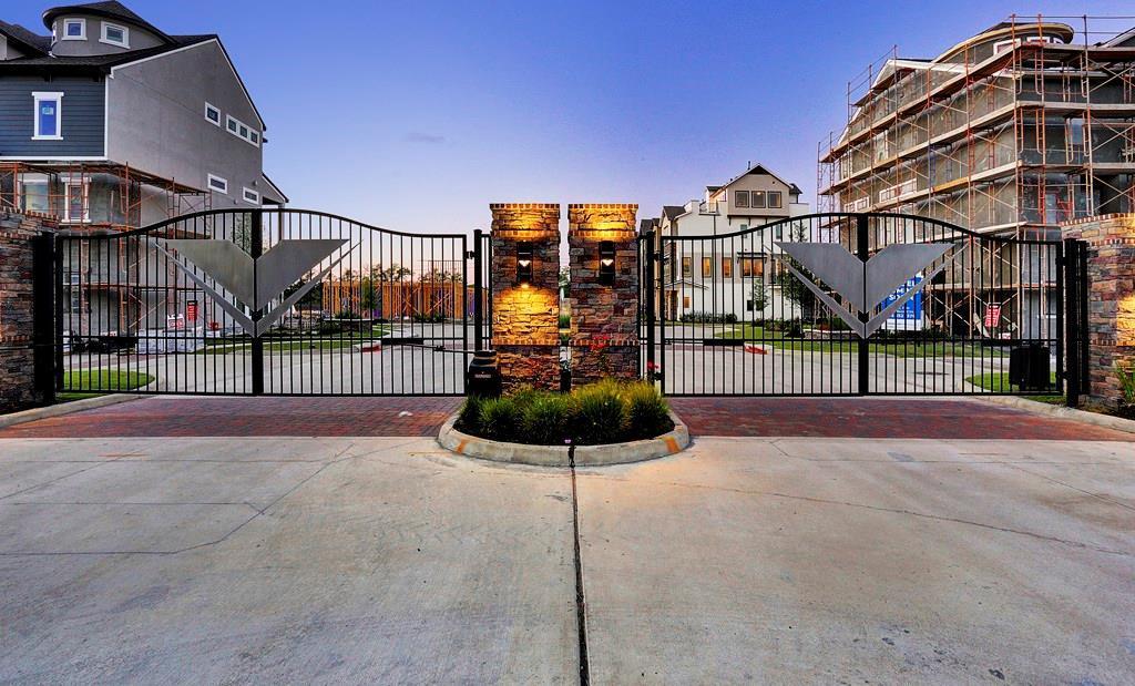 Off Market | 2641 Fountain Key Boulevard Houston, Texas 77008 4