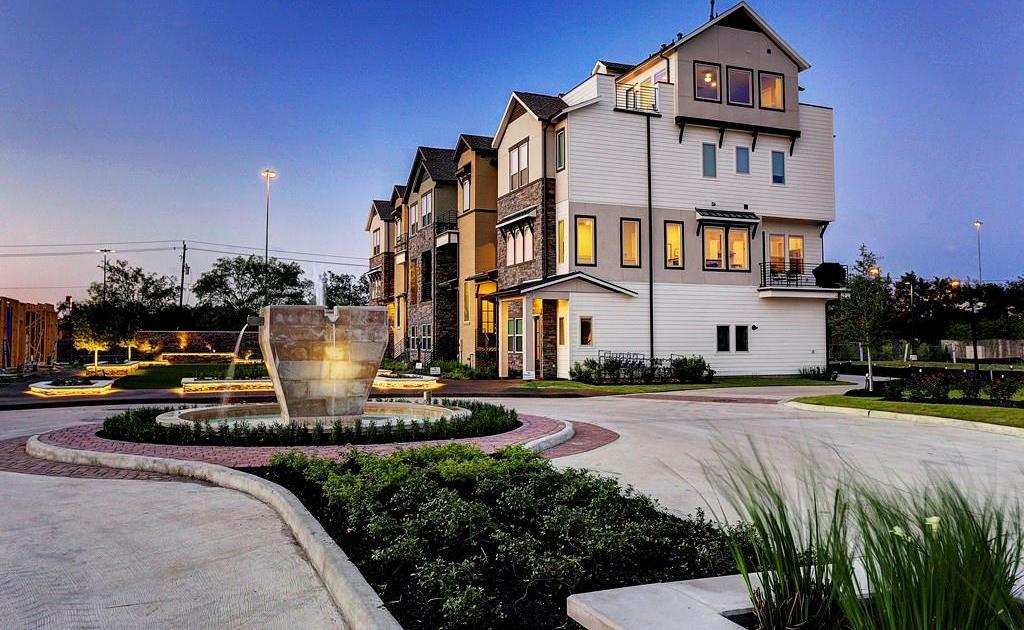 Off Market | 2641 Fountain Key Boulevard Houston, Texas 77008 8
