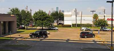 Off Market | 1914 W Gray Street #104 Houston, Texas 77019 15