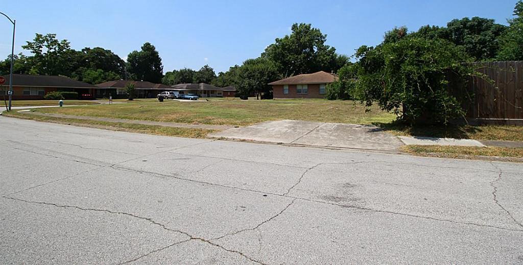 Off Market | 4402 Verdome Lane Houston, Texas 77092 5