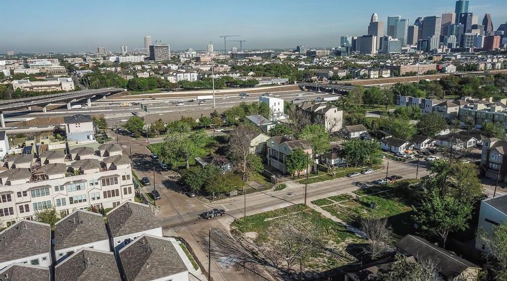 Off Market | 2201 Holman Street Houston, Texas 77004 5