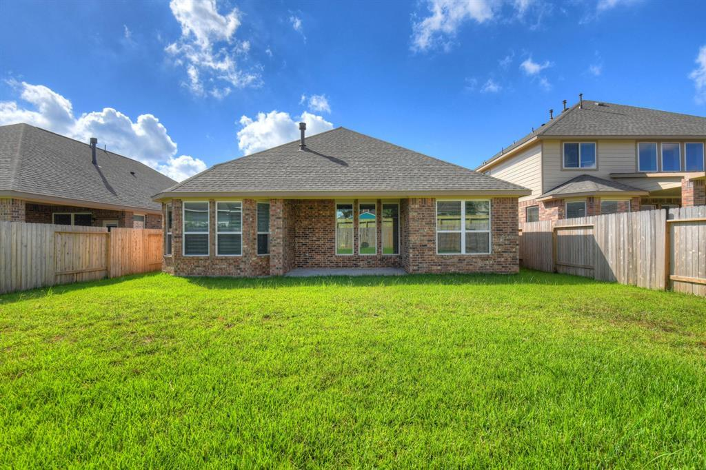 Off Market   21227 Flowering Dogwood Circle Porter, Texas 77365 16