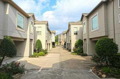 Off Market | 1126 Bonner Street Houston, Texas 77007 1