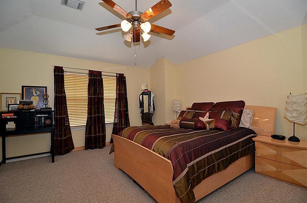 Off Market | 2118 Stacy Glen Houston, Texas 77008 10