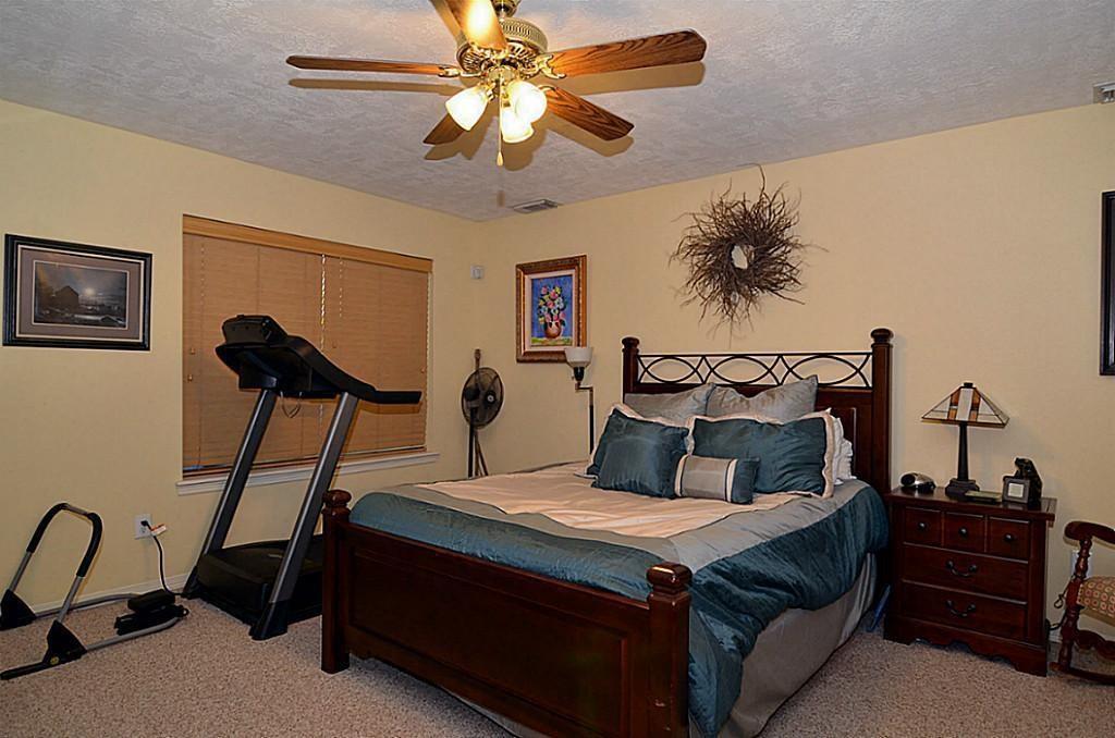 Off Market | 2118 Stacy Glen Houston, Texas 77008 12