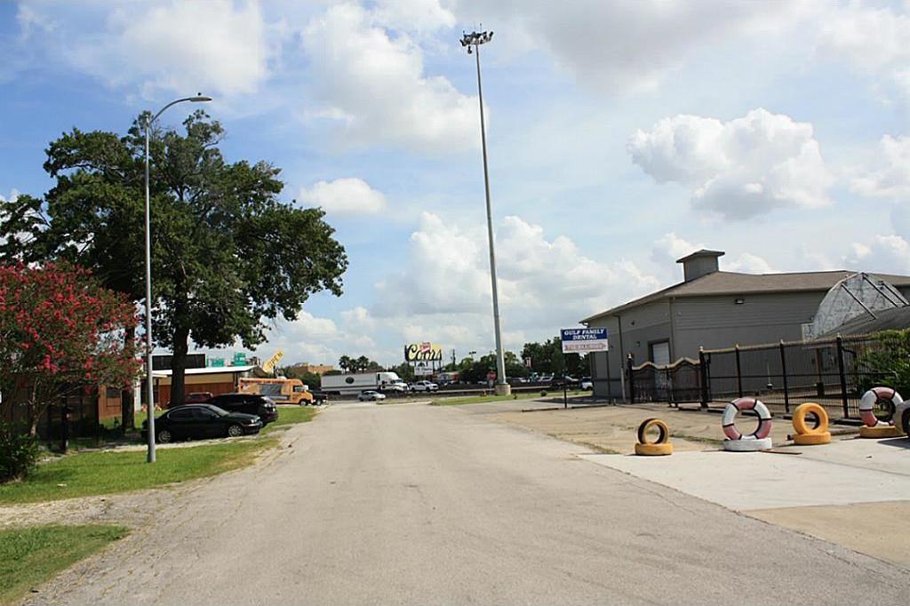 Off Market | 4024 E Gulf Street Houston, Texas 77087 7