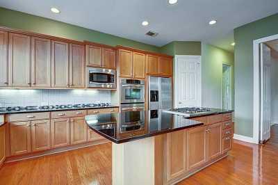 Off Market | 2815 Tudor Manor  Houston, Texas 77082 20