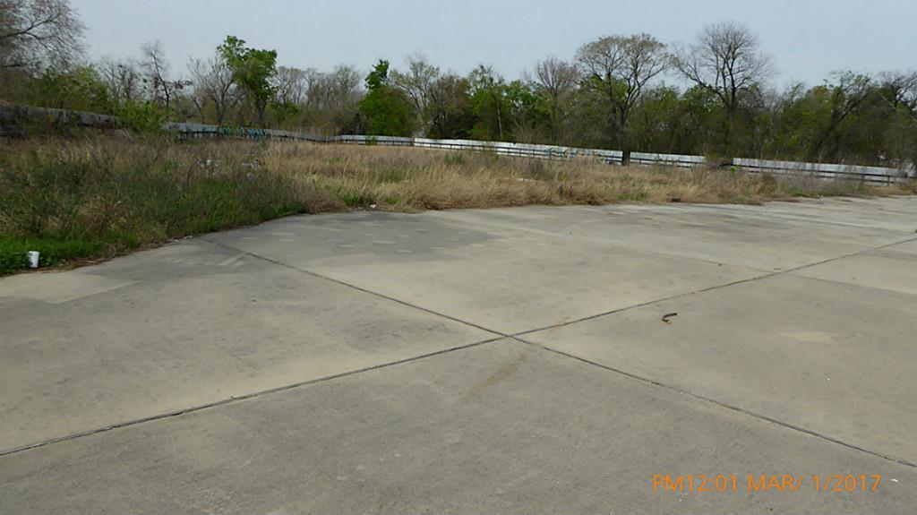 Active | 9501 North Freeway Houston, Texas 77037 3
