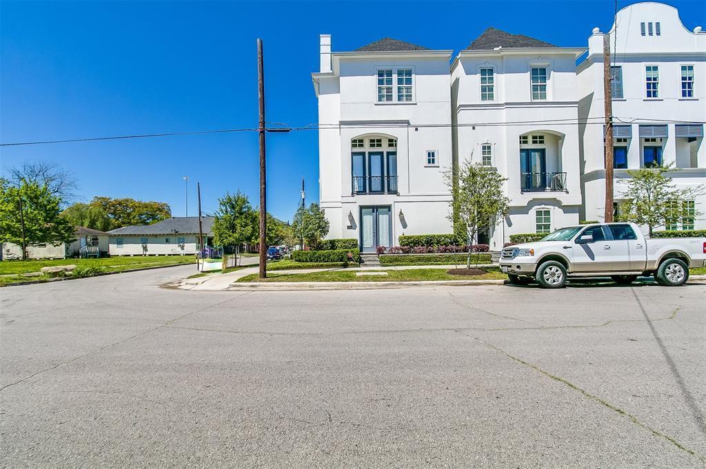 Off Market | 2332 W Hutchins Street Houston, TX 77004 32