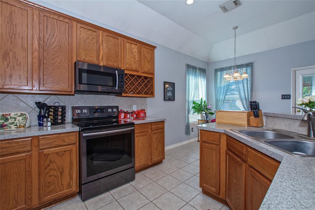 Off Market | 3215 Seasons Trail Kingwood, Texas 77345 13