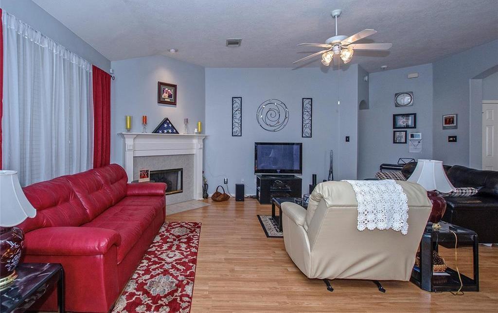 Off Market | 3215 Seasons Trail Kingwood, Texas 77345 8