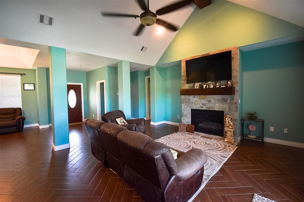 Sold Property | 2377 N Gebhardt Road Sealy, Texas 77474 3