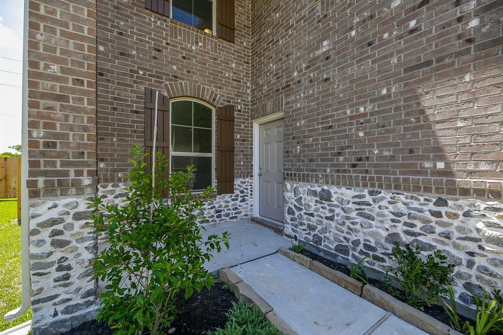 Active | 3827 Moreland Branch Lane Katy, TX 77493 2